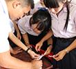 แลกเปลี่ยนความคิดเห็นการจัดการเรียนการสอนโดยใช้ภาษาอังกฤษเป็นสื่อ